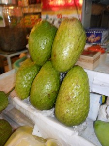Soursop fruits can be 3 kilos and more